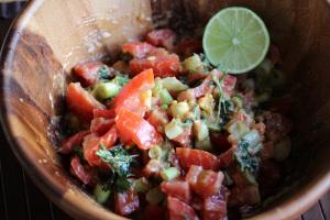 Sudan and Salata Tomatim Bel Daqua