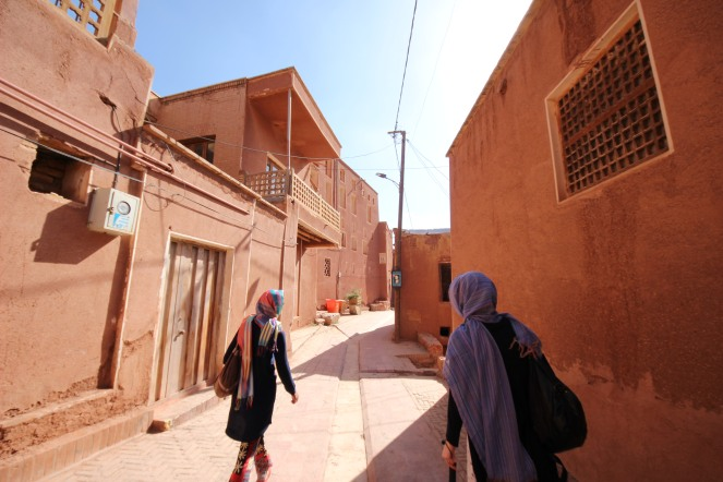 through the roads of Abyaneh